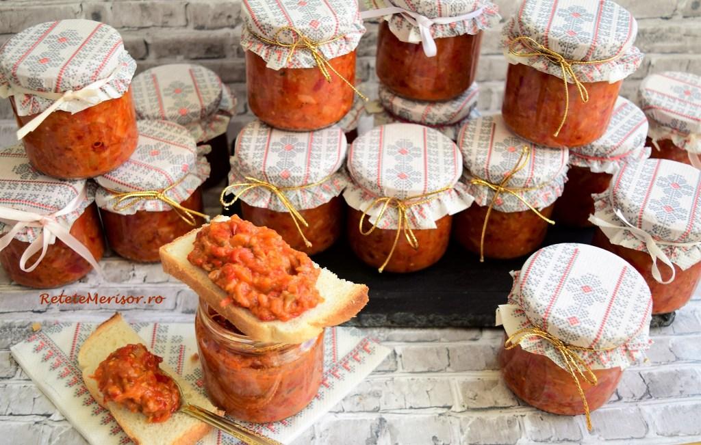 Zacuscă de ciuperci combinate cu ardei copt și vinete
