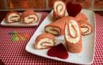 Clătite cu sfeclă roșie și cremă de brânză