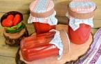 Roșii întregi în suc de roșii