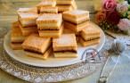 Prăjitura cu foi cu bulion, cremă de griș și gem