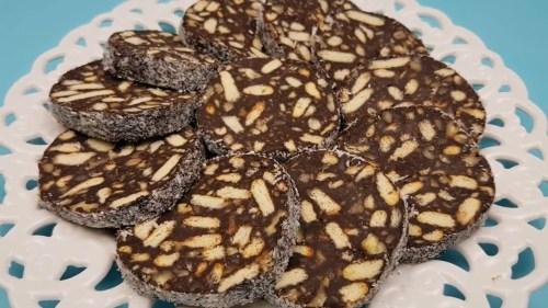Salam de biscuiti cu nuca