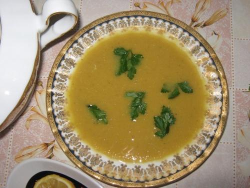 Supa crema de linte (specific arabesc)