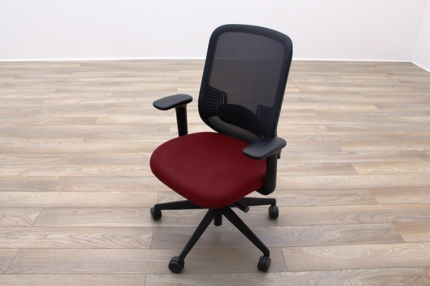 orange office chairs uk easy with footrests orangebox do black mesh burgundy fabric task