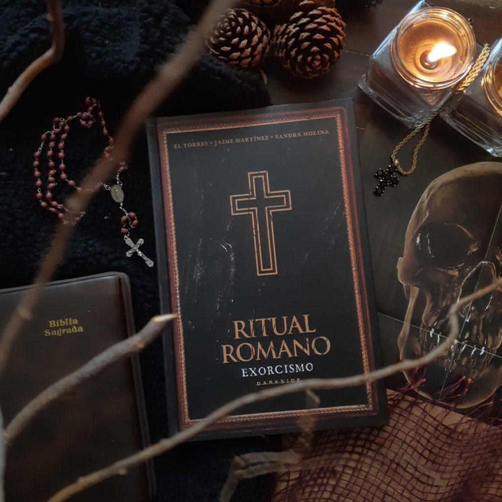 Resenha de Exorcismo: O Ritual Romano de El Torres & Jaime Martínez & Sandra Martinez, HQ  publicada pela DarkSide Books em 2019!