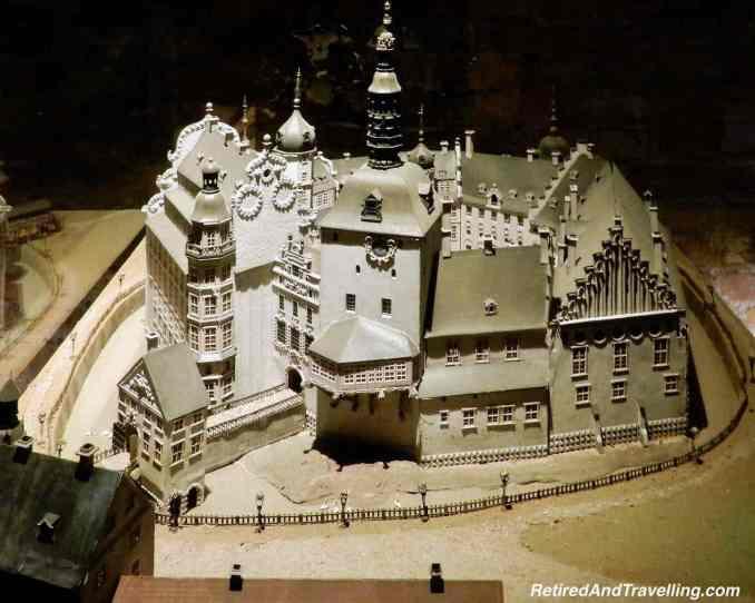 Christiansborg Ruins Models.jpg