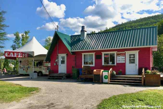 Fjord Route Petit Saguenay.jpg