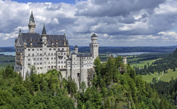 neuschwanstein-castle-467116