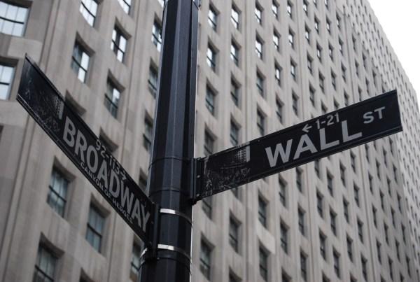 wall-street-595458