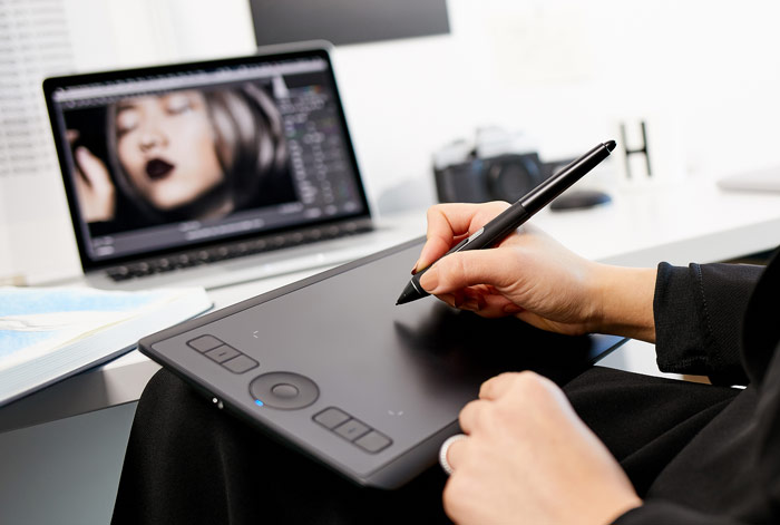 The New Wacom Intuos Pro is Available in Small Size Now