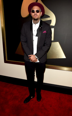 grammys - chris brown in dsquared2