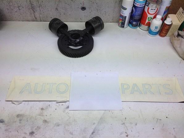 Fabrication enseigne à base de pièces automobile