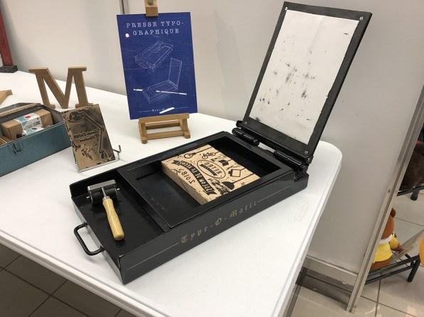 Presse typographique manuelle artisanale