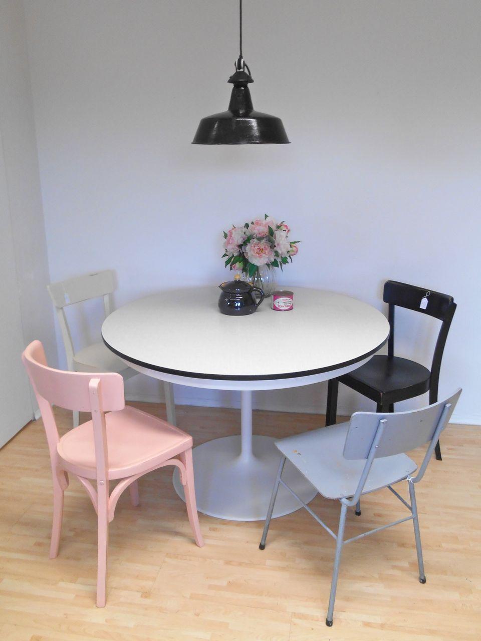 Tulip tisch saarinen oval table saarinen oval table for Esstisch replica