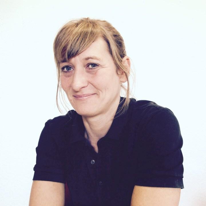 Kirsten, Leiterin der Holzwerkstatt im Retrosalon.