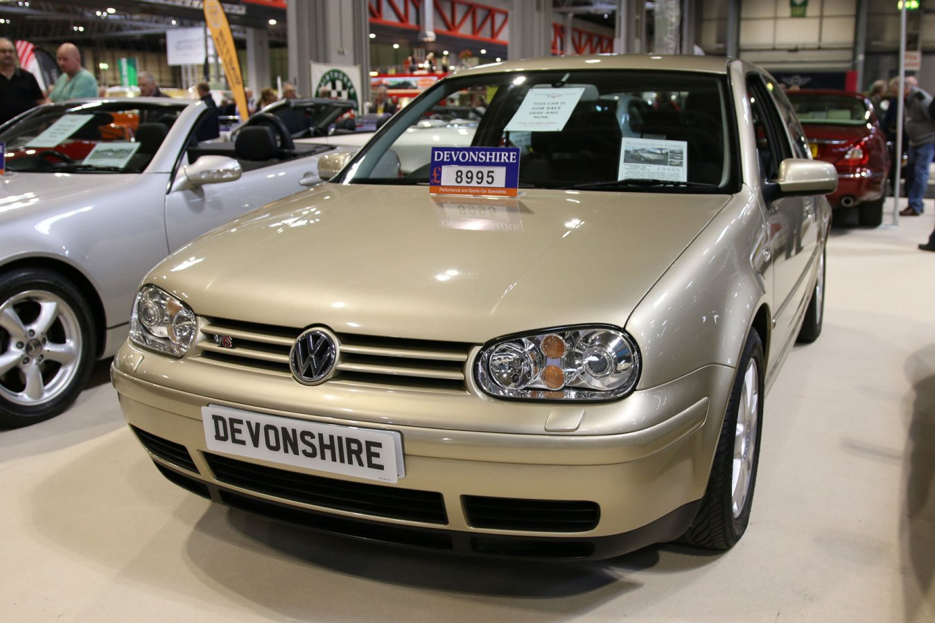 Volkswagen Golf: £8,995 - £9,495