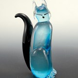 Murano Art Glass Siamese cat was made by hand with applied fluffy black tail, slanted eyes and dot nose.