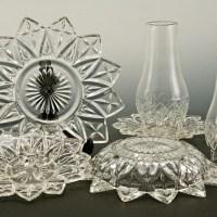 The distinctive vintage pattern is called Federal Flower Petal #2829.