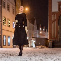 [:de]Stylish in Schwarz-Weiß mit einem Winter-Kleid von Ginger Jackie[:en]Stylish in Black and White with a Winter Dress by Ginger Jackie[:]