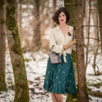 "[:de]Winter ade! Ein 40er-Jahre-Outfit mit dem Swing-Rock in ""Green Doggy"" von The Seamstress of Bloomsbury[:en]Bye bye Winter! A 40s inspired Outfit with the Isabelle Skirt in ""Green Doggy"" by The Seamstress of Bloomsbury[:]"
