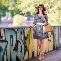 Zeitlose Klassiker: Zauberhafte Gingham-Kleider für den Sommer