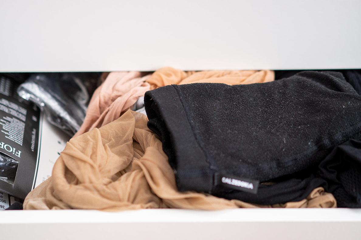 RetroCats unsortierte Strumpfhosen-Schublade