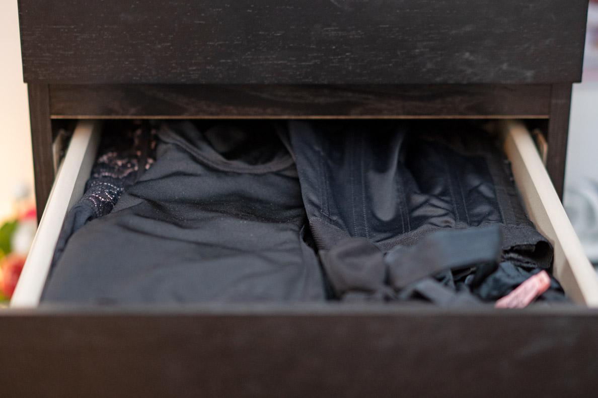 RetroCats Kommode für Unterwäsche: Eine Schublade mit Shapewear