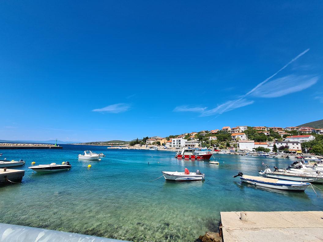 Ein kleiner Hafen in Kroatien