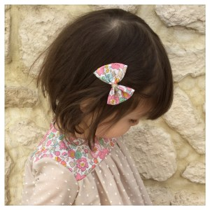 Blouse-en-plumetis-de-coton-mocaccino-et-liberty-betsy-cupcake-enfant-bébé-retrochic-boutique