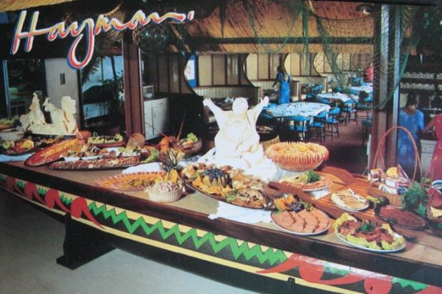 Hayman  Island Buffet via Vintage Queensland