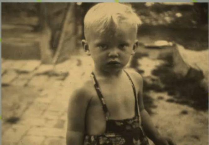 Ilyen édes kisfiú volt Kóbor János