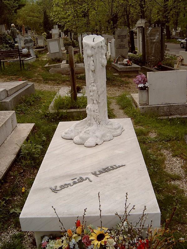 Így néz ki Karády Katalin síremléke