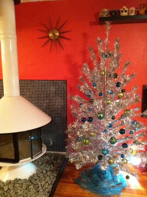 Tinselmania 221 Vintage Aluminum Christmas Trees - Retro