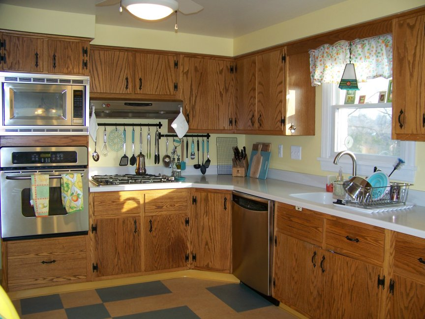 Dianas early 60s oak kitchen with plank doors and
