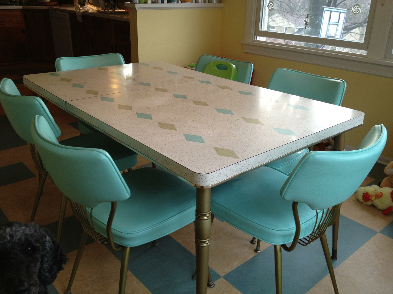 retro dining room table and chairs chair gym ab exercises dinette 62044071cf23708a01c982d5a129470ae286116a