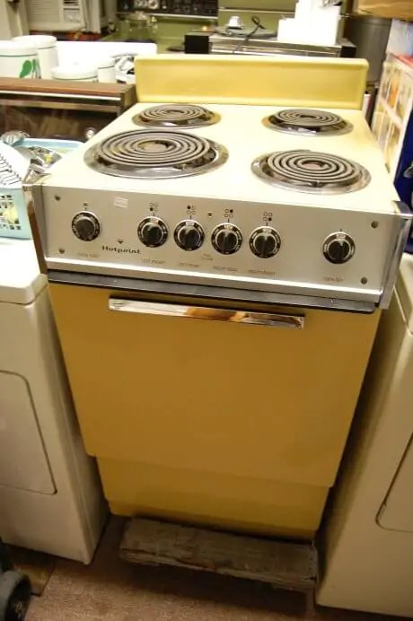 Vintage Harvest Gold Hotpoint Stovetop And Oven Retro Renovation