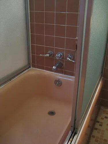 Susan becomes a fan of her 1962 pink Jack n Jill bathroom