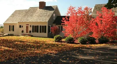 Choosing Paint Colors for Traditional Homes From the
