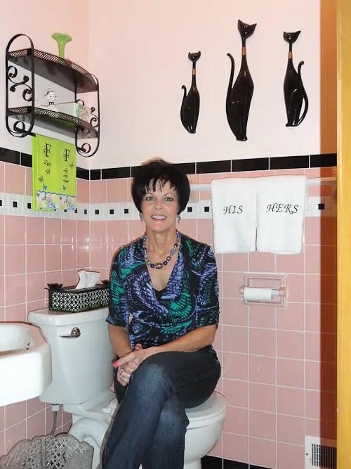 Modern 50s Bathroom Design