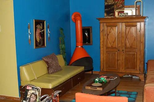 Jon  Trixi create a 1970s avocado kitchen with RustOleum