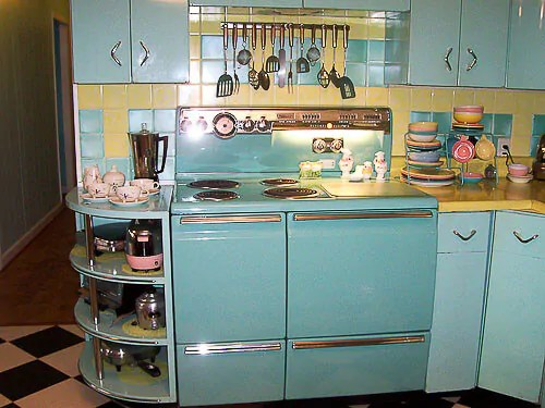 Loris Pink Blue And Yellow Retro Kitchen A Whole Lot Of Lovin Fun Retro Renovation