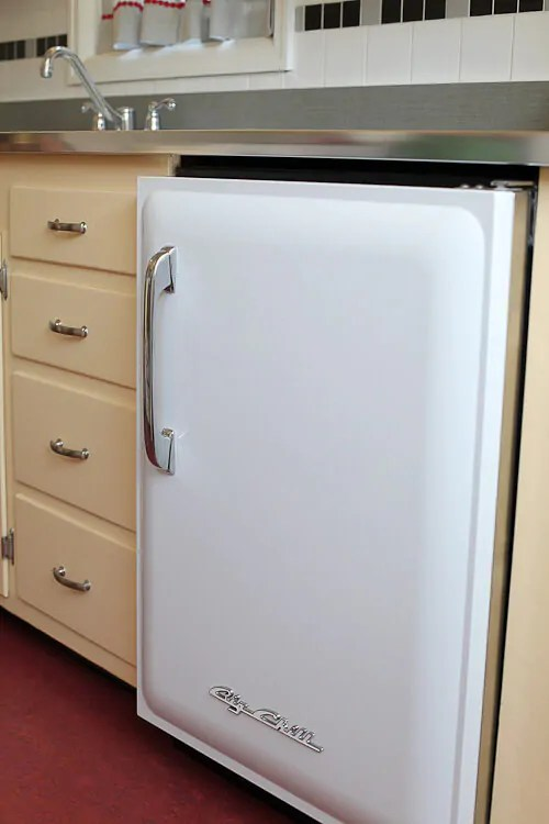 undercounter kitchen sink elegant cabinets las vegas lauryn and dennis' 1939