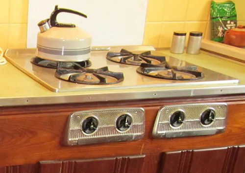 American Beauties 25 vintage stoves and refrigerators from readers kitchens  Retro Renovation