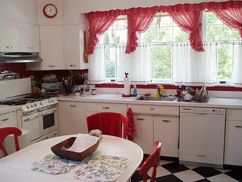 David creates a sunny red and white vintage kitchen for