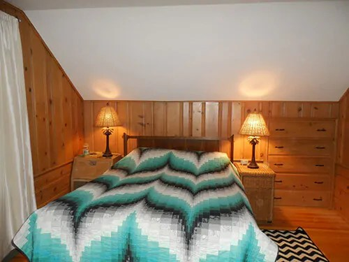 Colors for Jeannes knotty pine bedroom  lets share our