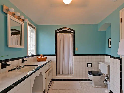 Five vintage pastel bathrooms in this lovely 1942 capsule house  Portland Oregon  13 photos