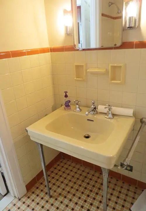 Vintage Bathroom Subway Tile