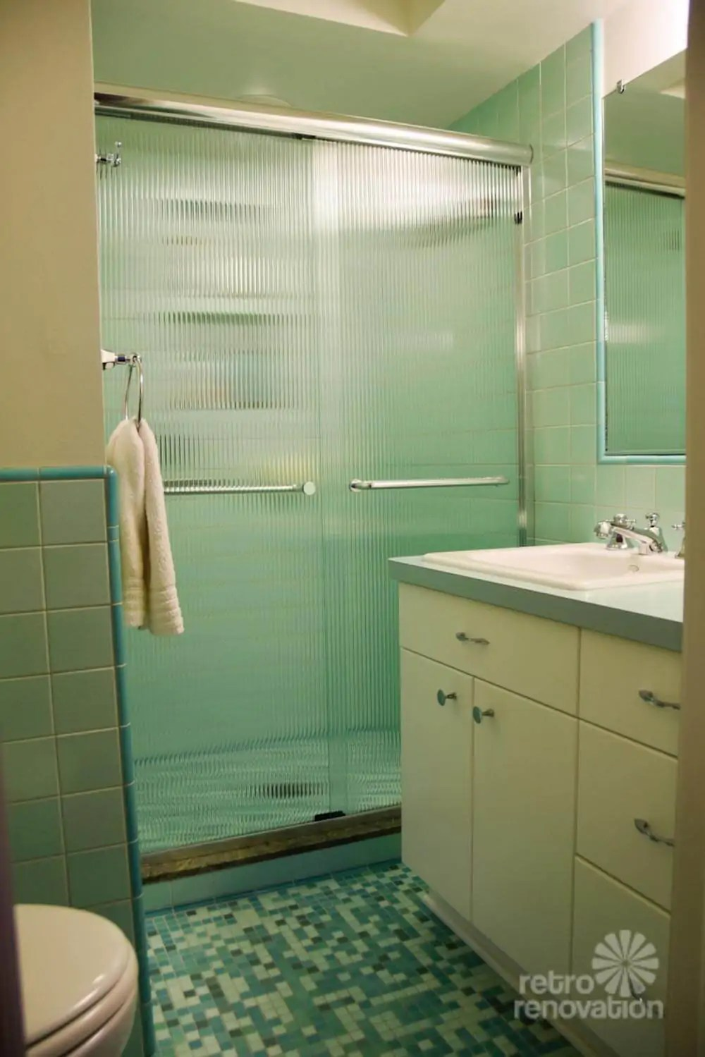 Rebeccas midcentury bathroom remodel using Nemo tiles