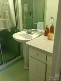 Rebecca's mid-century bathroom remodel using Nemo tiles ...