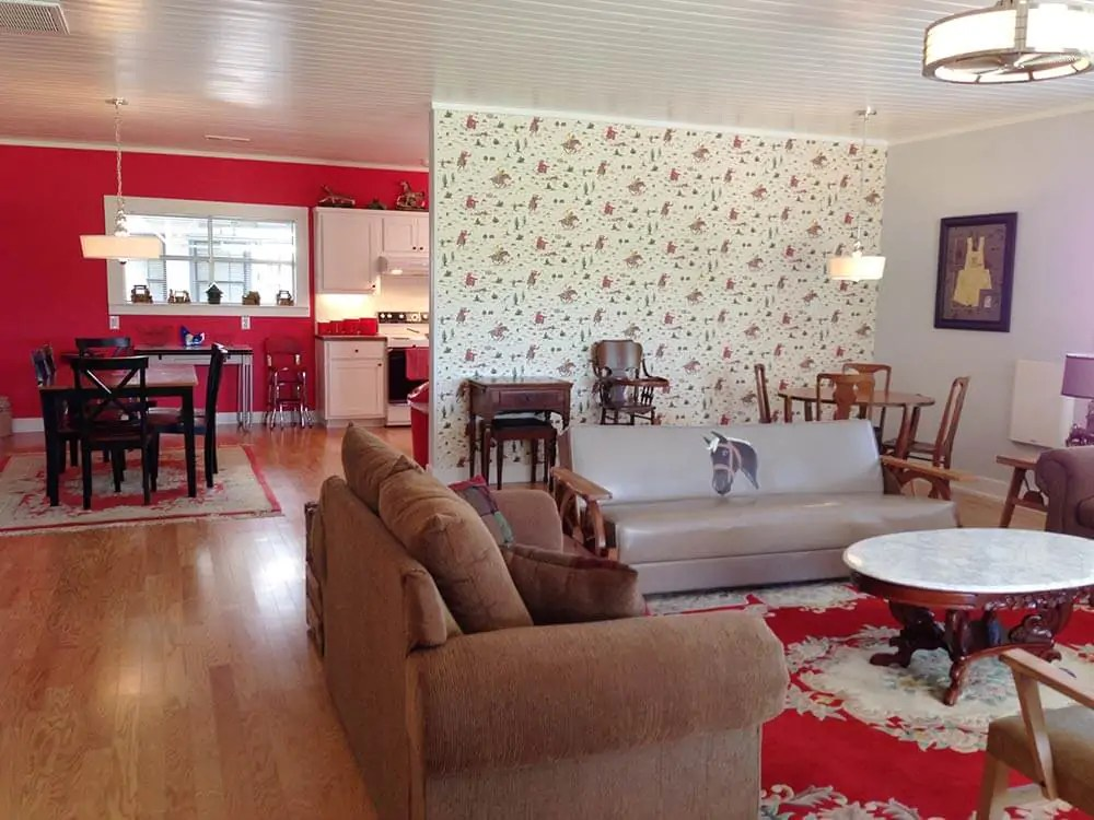 Elizabeths red and white kitchen and Cath Kidston cowboy