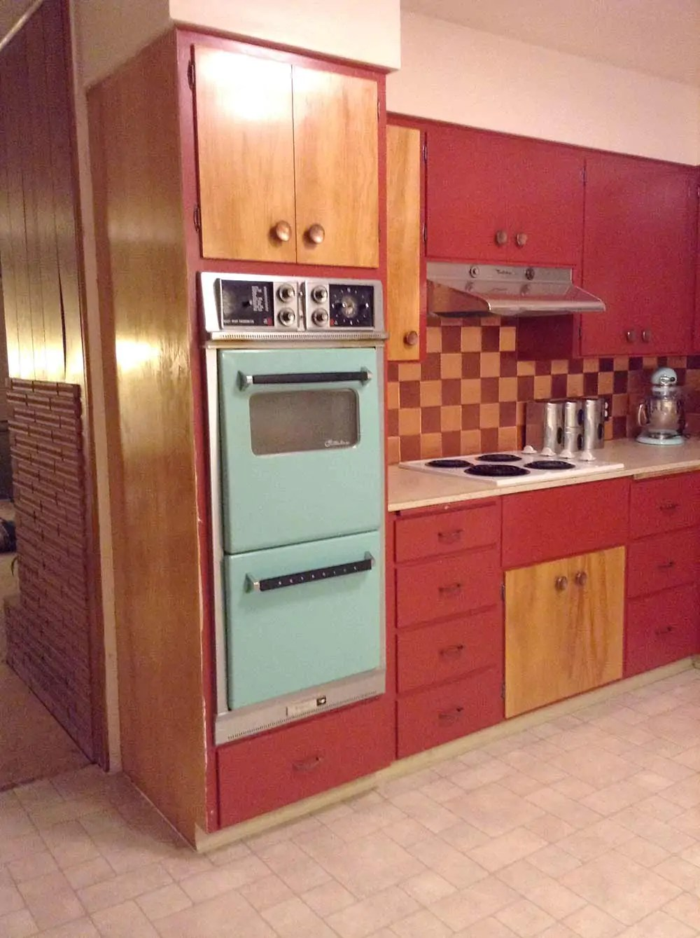Flooring and countertops for Shannans 1950s kitchen